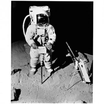 Black & Decker-Bohrer auf dem Mond (Foto: Black & Decker GmbH)