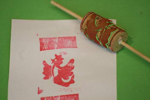 Korken-Drucke im Briefmarkenformat, Foto:Wissenschaftsladen Potsdam