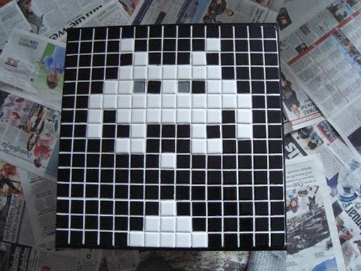 Space Invaders Tisch. Foto: Alexander Wolff
