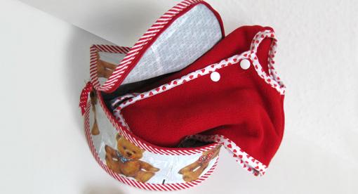 Pattydoo: Box aus gebügelter Plastiktüte. Foto: Ina Fischer